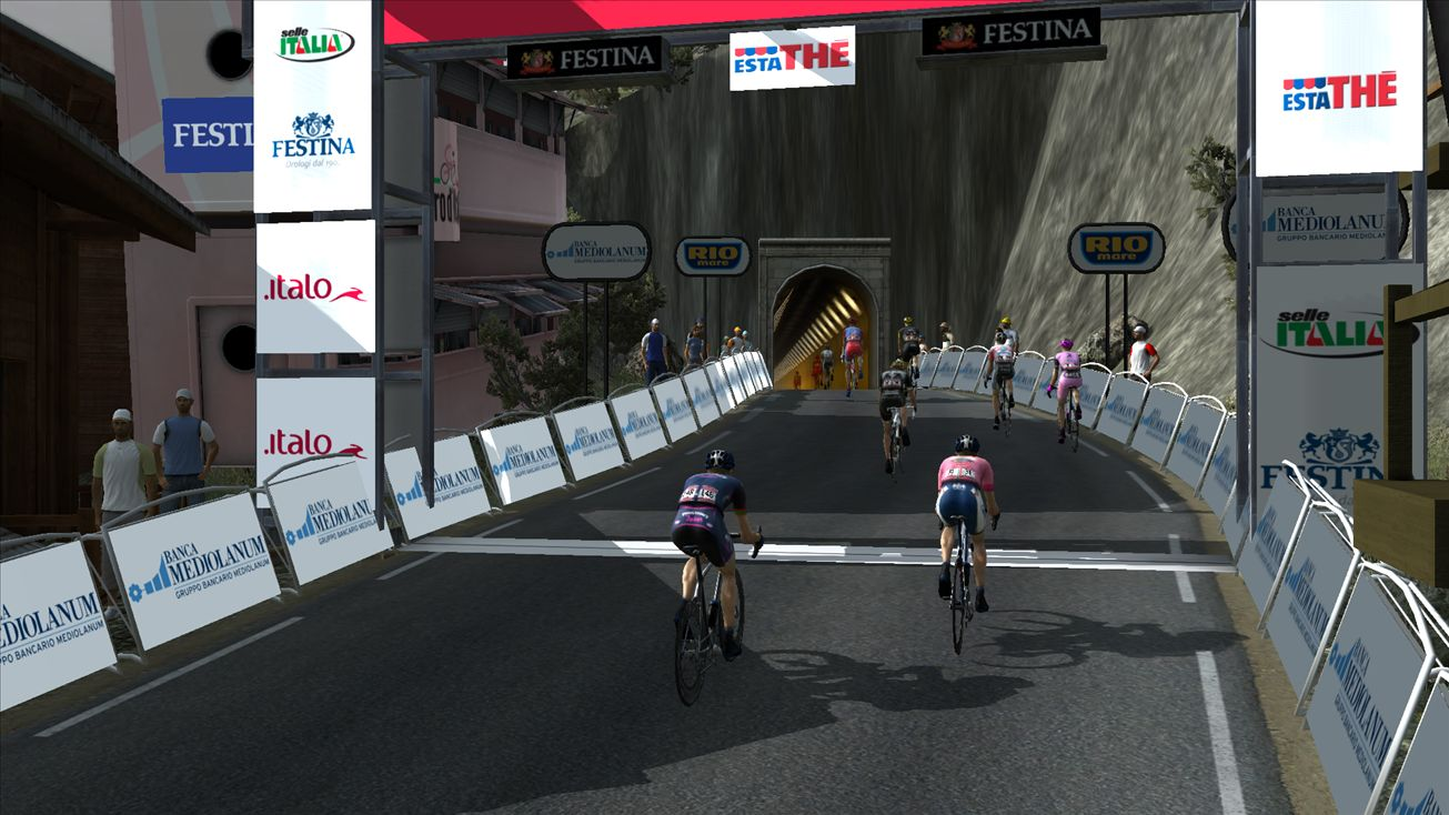 pcmdaily.com/images/mg/2015/Races/PT/Giro/mg2015_giro_20_PCM0880.jpg