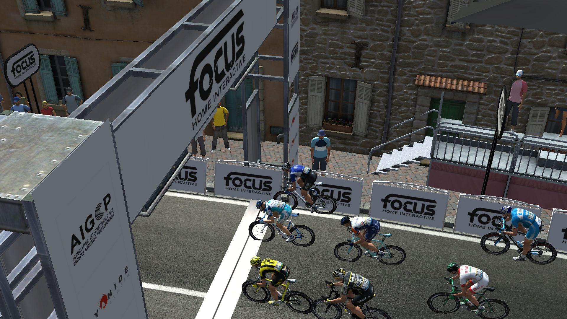 pcmdaily.com/images/mg/2019/Races/GTM/Giro/mg19_giro_10_PCM0144.jpg