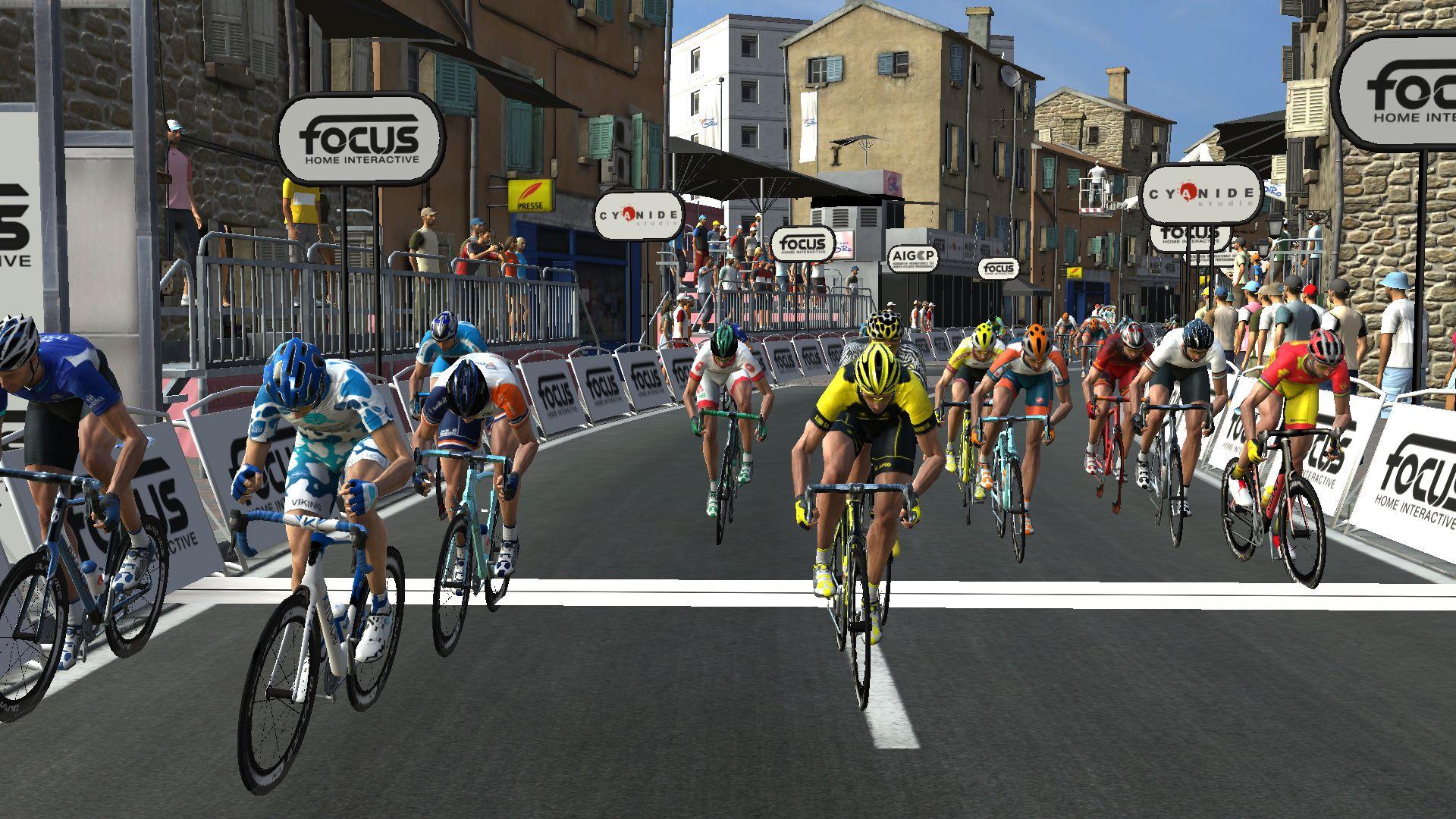 pcmdaily.com/images/mg/2019/Races/GTM/Giro/mg19_giro_10_PCM0145.jpg