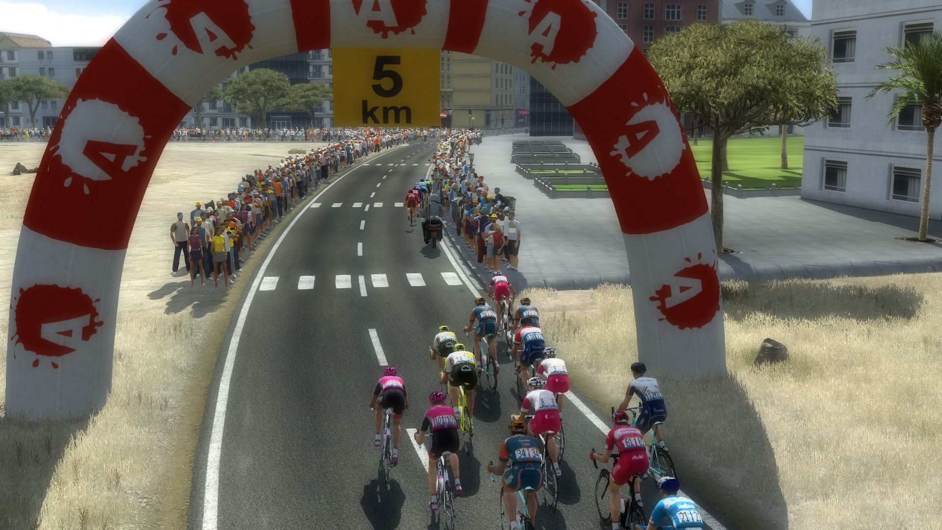 pcmdaily.com/images/mg/2019/Races/PT/Qatar/mg19_qat_s01_11.jpg