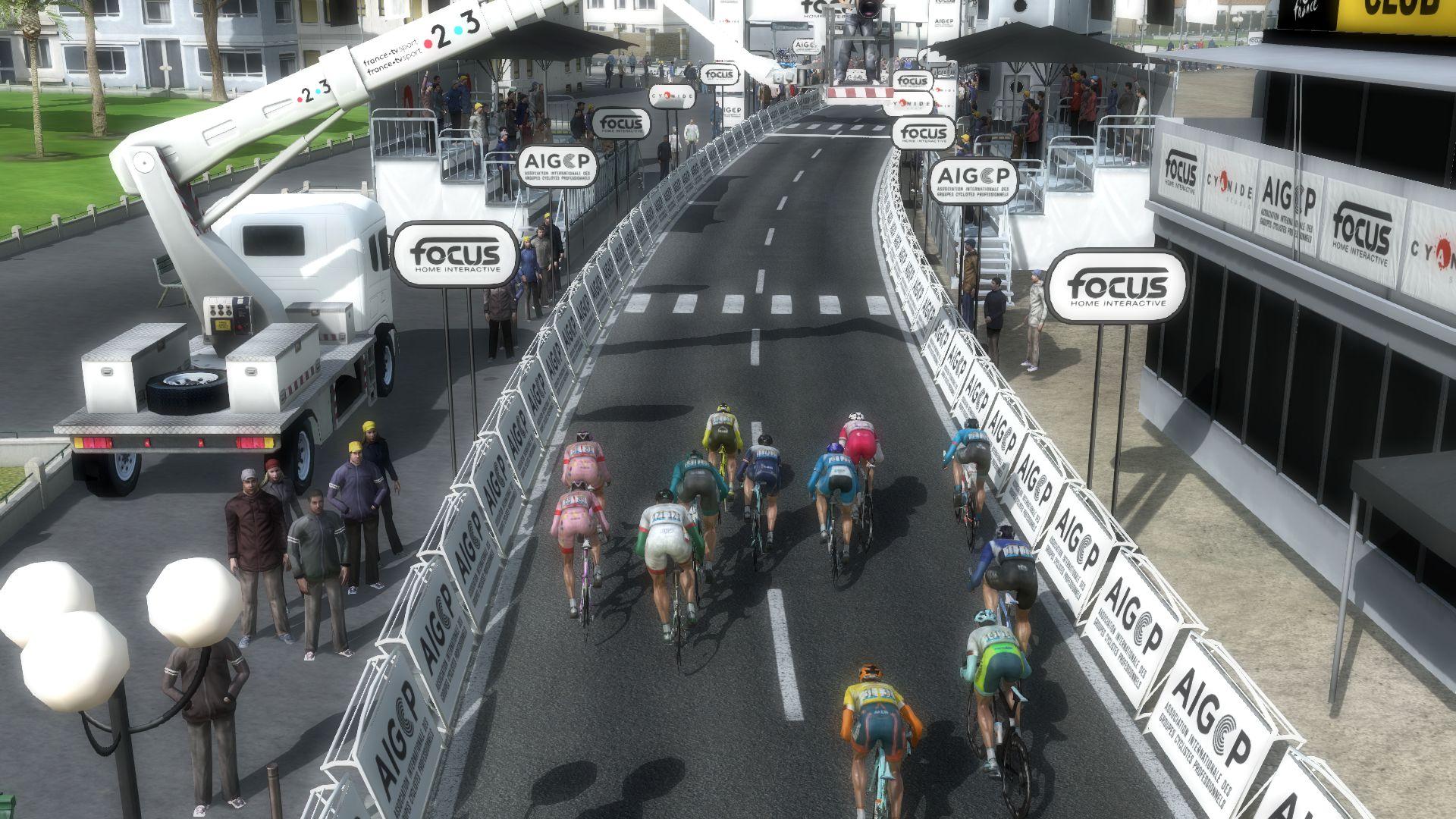 pcmdaily.com/images/mg/2019/Races/PT/Qatar/mg19_qat_s05_14.jpg