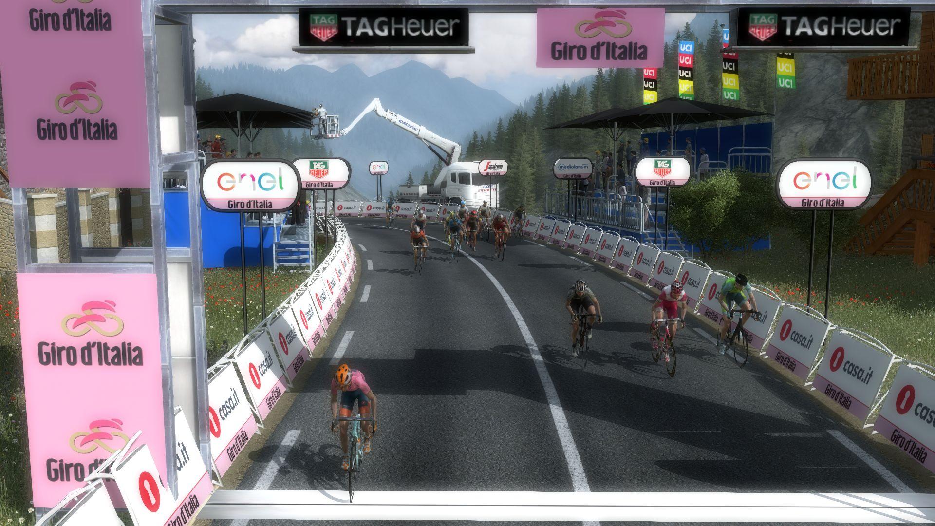 pcmdaily.com/images/mg/2020/Reports/GTM/Giro/S20/mg20_giro_s20_087.jpg