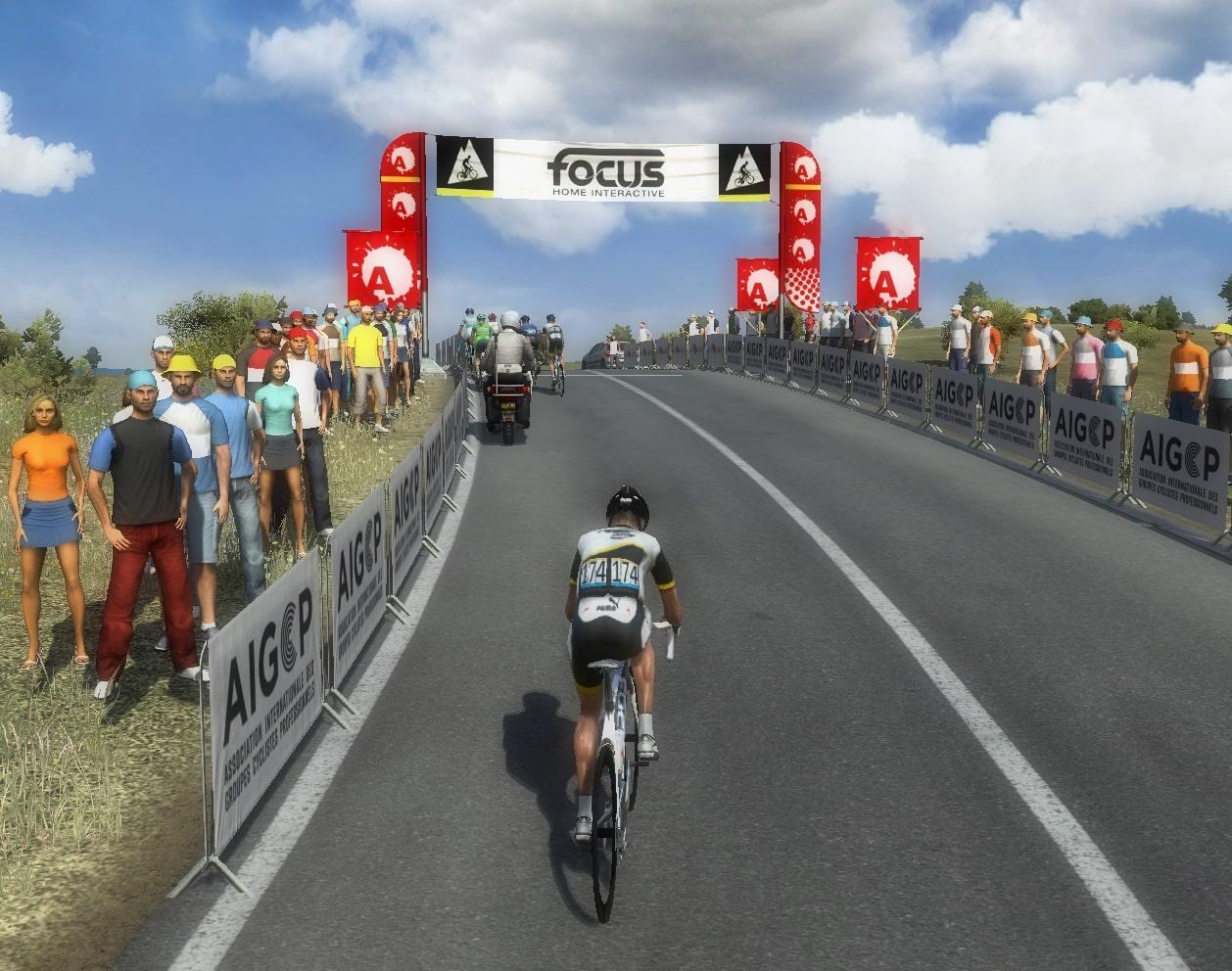 pcmdaily.com/images/mg/2020/Reports/GTM/VueltaEsp/week3/fotos/19vu12.jpg